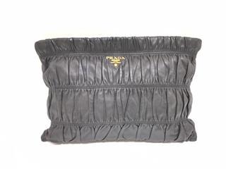 PRADA〈プラダ〉Clutch bag