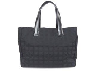 CHANEL〈シャネル〉New Travel Line Tote MM Bag