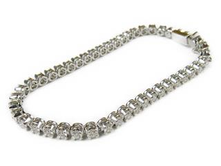 De Beers 〈デ・ビアス〉 Diamond Tennis Bracelet