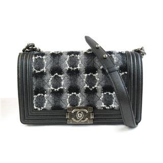 CHANEL〈シャネル〉Caviar skin chain shoulder bag