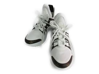 LOUIS VUITTON〈ルイヴィトン〉LV Archlight sneaker in white