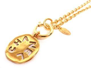 CHANEL〈シャネル〉Accessory Logo Necklace