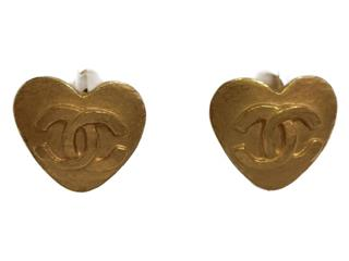 CHANEL 〈シャネル〉 95P Heart Earrings