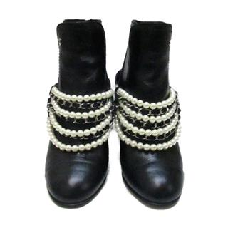 CHANEL 〈シャネル〉 Short boots with pearl