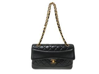 CHANEL〈シャネル〉Matelasse Chain Shoulder bag