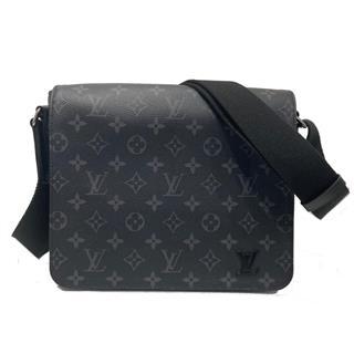 LOUIS VUITTON 〈ルイヴィトン〉 District PM Shoulder crossbody Bag