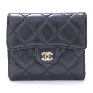 CHANEL〈シャネル〉Matelasse compact wallet tri-fold
