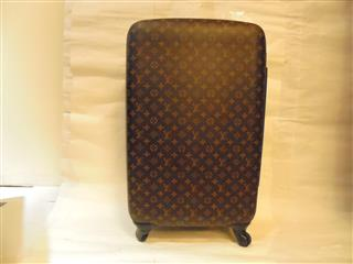 LOUIS VUITTON 〈ルイヴィトン〉 Travel Wheeled Luggages ZEPHYR 70